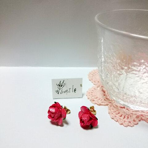 かわいいと思えばかわいいシンプル薔薇ピアス