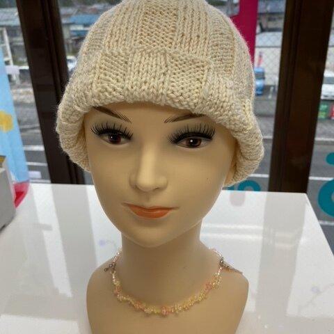 のんちゃんのてづくりベージュのぴょっこり帽子