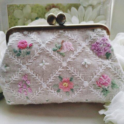 手刺繍がま口「夏の花花~ピンク~」