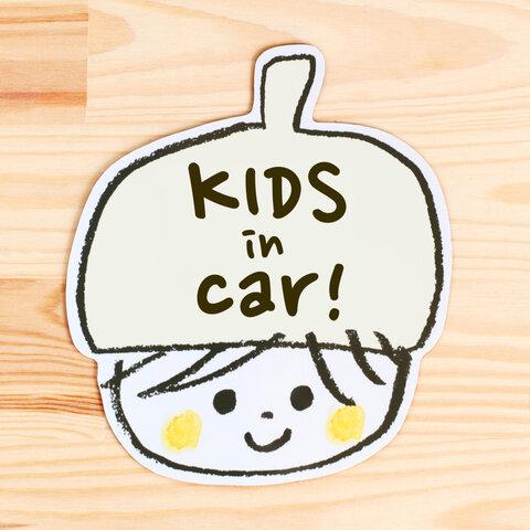 KIDS IN CAR マグネットステッカー(ミルク)