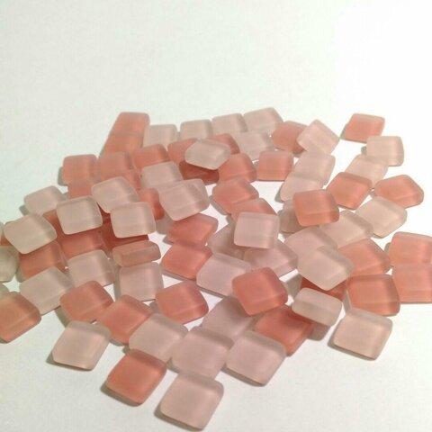 送料無料 曇りガラスタイル ピンク 1cm角