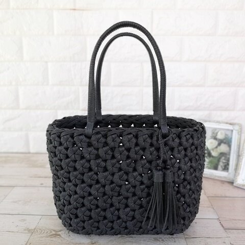 小ぶりの花結び編みかごバックSサイズ【ブラック】