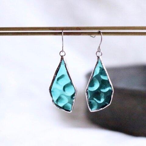 揺らめくカラフルピアス  blue-green ステンドグラス ガラス