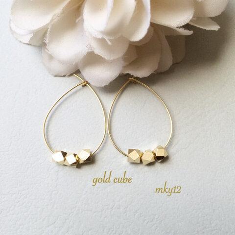 【再販】gold cube pierce