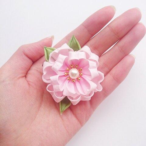つまみ細工〜八重桜のコサージュ ヘアクリップ〜