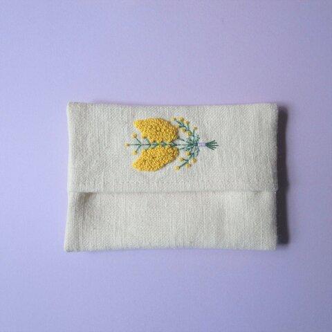 (67)ミモザ (束)の 手刺繍  ポケットティッシュケース(大人用)