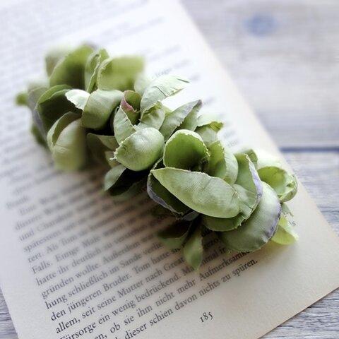 花びらのバレッタ ■ ふんわり優しいシルエット ■ グリーン×パープル
