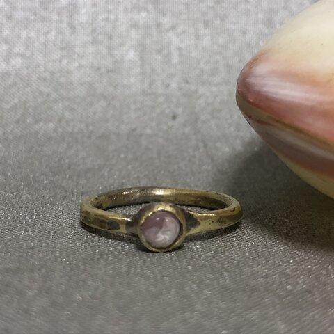 ピンクオパールと真鍮の指輪(小)