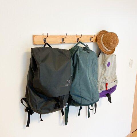 5連 壁掛けフック(ナチュラル)壁面収納 ウォールフック ウォールハンガー ハンガーラック 木製 帽子掛け バッグ掛け マスク掛け リビング収納 カフェ風 男前インテリア リビング収納