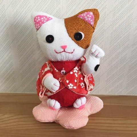 ちりめん和ぬいぐるみ・招き猫(右手)
