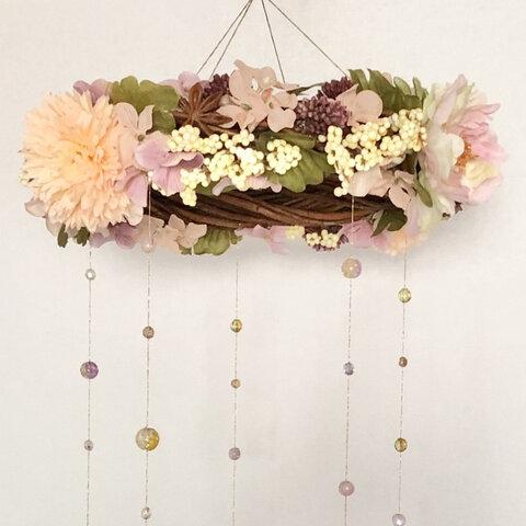 秋風を感じる木の実の花かんむり【ブリーズキャッチャー】キラキラ吊り下げインテリア雑貨