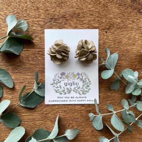 ふっくら ❁花のピアス ベージュ