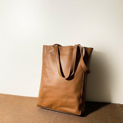 A4サイズ対応シンプルな牛革サブバッグトートバッグポケット付き
