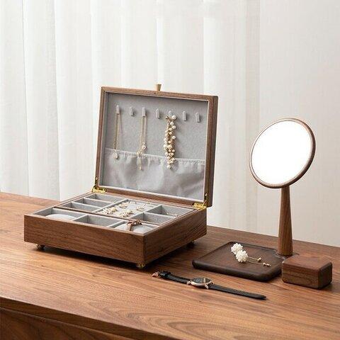 シンプルデザインの木製アクセサリー収納 イヤリング ジュエリーボックス ウオルナットウッド