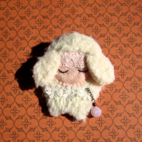 fluffy creatures brooch