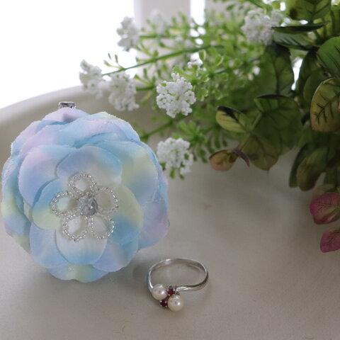 お花のブローチ(紫陽花ブルー)