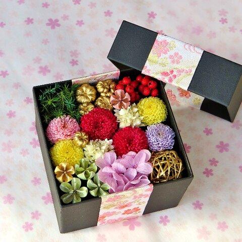 【再販】お祝い・お正月に。お重箱花のシースルーフラワーボックス (プリザーブドフラワー)  無料ラッピング・メッセージカード付き