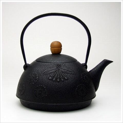 鉄瓶 はるか(桜/1.0L)ユニバーサルデザイン