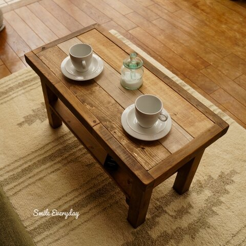 アンティークな感じがかわいい ローテーブル  ミニ