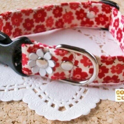赤いプチフラワー柄の首輪(中型犬用)