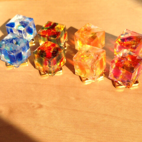 琉球ガラスとタイルの輝き