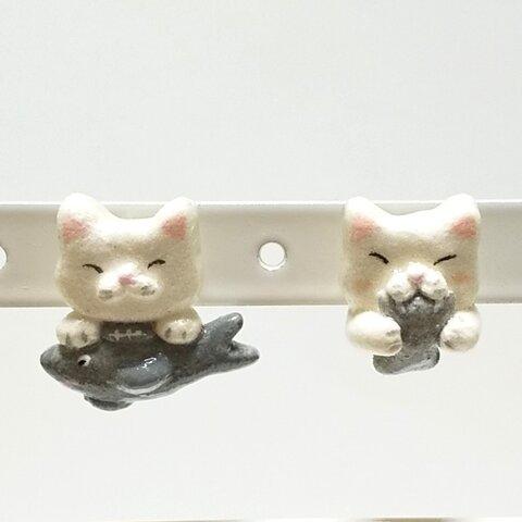 猫に小判鮫のピアス